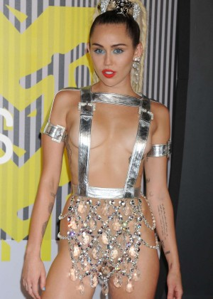 Miley Cyrus: 2015 MTV Video Music Awards in Los Angeles [adds]-55